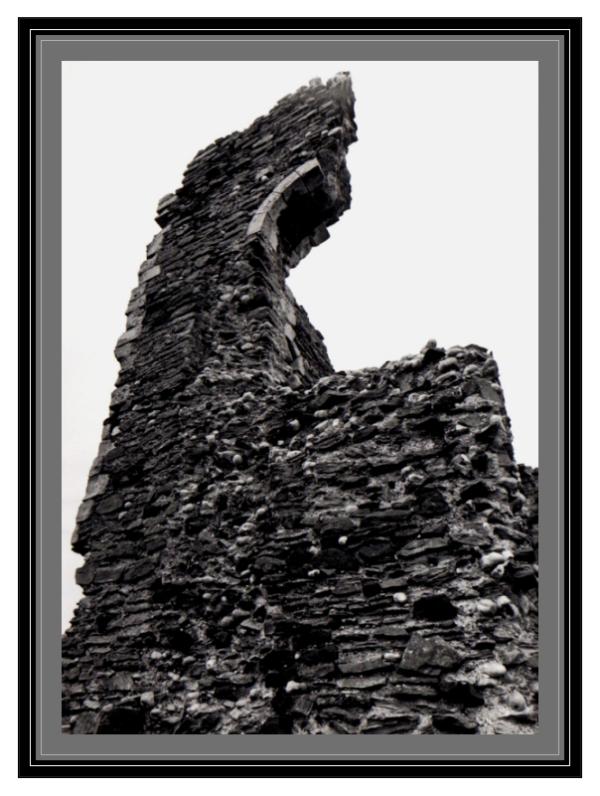 crumbled-castle-walls